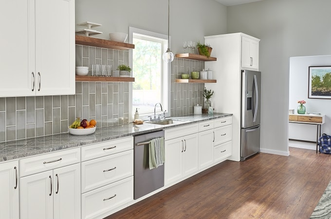 https://columbuscabinetscity.com/wp-content/uploads/2021/02/European-craft-Kitchen-cabinets.png